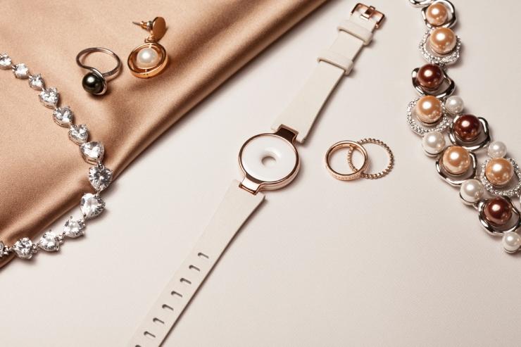 moonbeam-with-jewelry