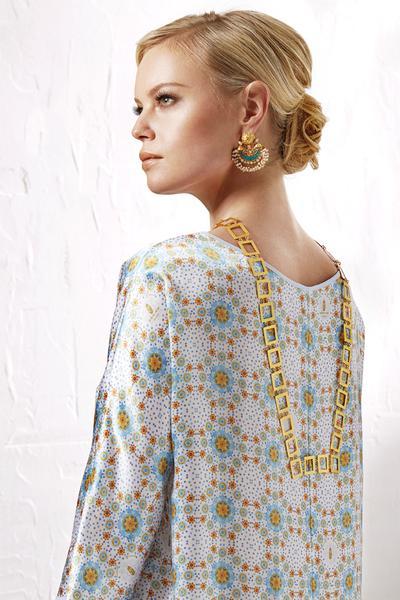 Burj_Al_Arab_satin_dress_LR_grande